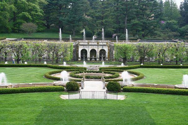 Main fountains of Longwood Gardens.  Creative Commons - Share Alike